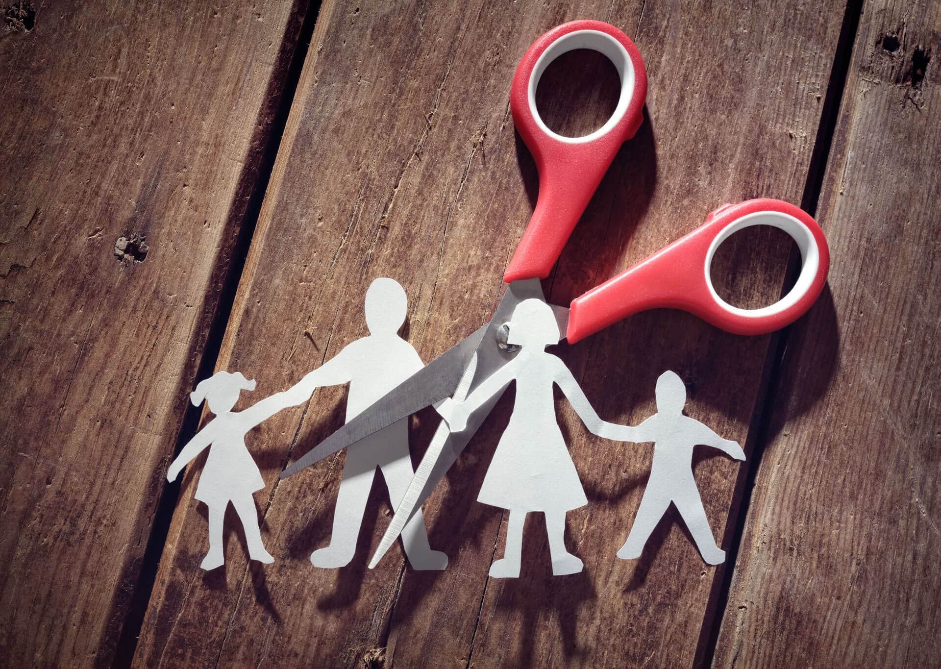 paper cut family showing divorce mistakes and terminating parental rights
